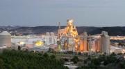 """Cemex recuerda a Macastre que """"es una fábrica, no una incineradora"""""""