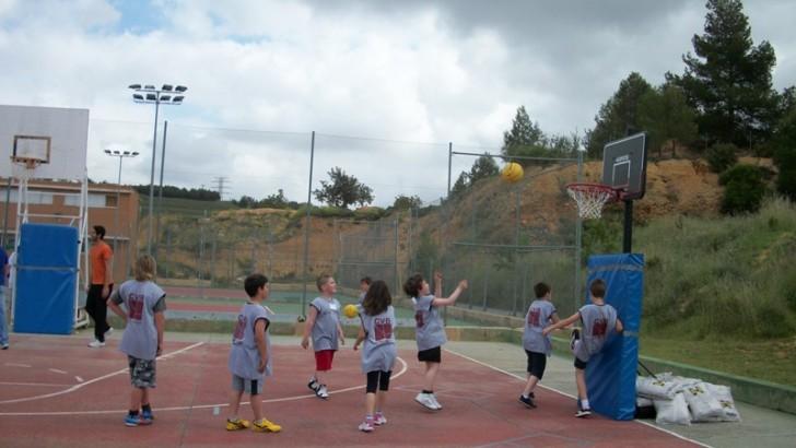 El Children Sports Day celebra su 4ª edición en la Feria del Comercio de Buñol