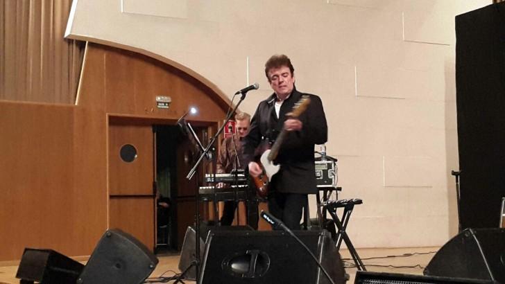 Las mejores imágenes del concierto de Jaime Urrutia en Buñol