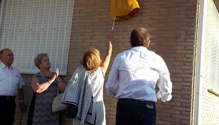 Buñol inaugura dos calles en reconocimiento a los maestros Cervera Collado y José Férriz Llorens