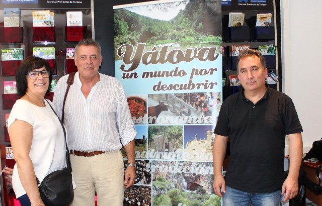 Yátova y Macastre exponen su oferta turística en la Oficina de Promoción