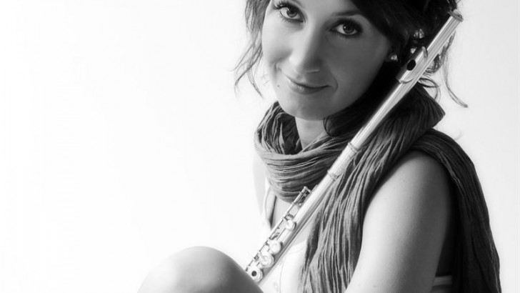 La músico buñolense Amalia Tortajada gana el premio Rising Star 2015