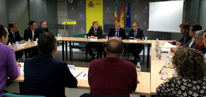Los trenes de la línea C3 no entrarán en Valencia hasta 2016