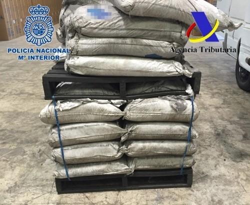 Prisión para los cinco detenidos en Chiva tras la incautación de 1.450 kilos de cocaína en el puerto de Valencia