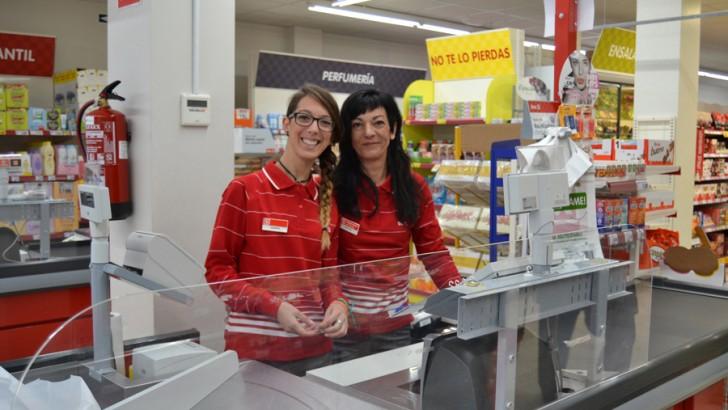 Las imágenes de la inauguración del Supermercado DÍA en Buñol