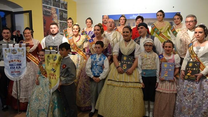 """""""Las Ventas"""" acapara los premios de las Fallas 2016 en Buñol (imágenes)"""