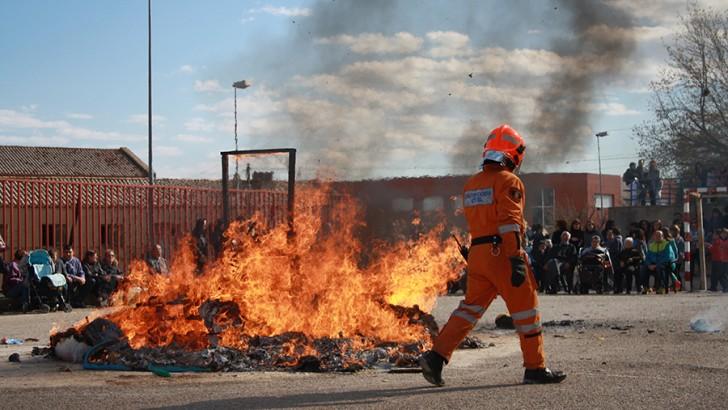 Los colegios de Buñol queman sus fallas