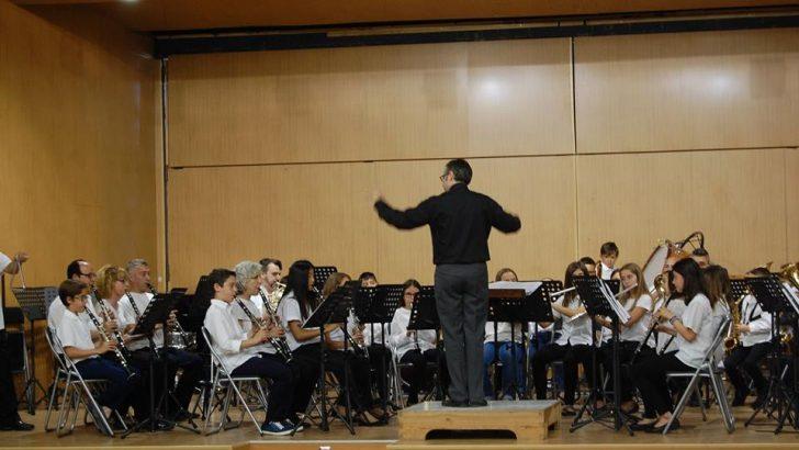 """Las imágenes del concierto de la Banda de Iniciación de """"La Artística"""" de Buñol en Yátova"""
