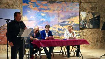 Las imágenes de la inauguración de la exposición de Fernando Galarza en Buñol