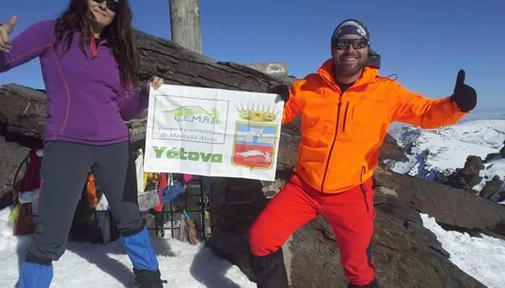 El yatovense Javier Jiménez corona la cima del Mulhacén