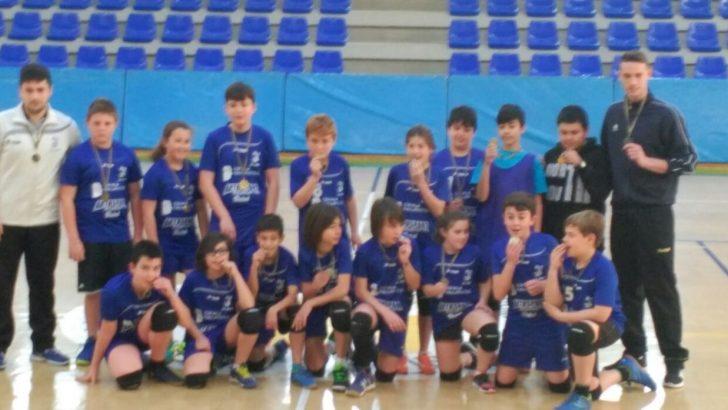 El equipo alevín del Club Balonmano Buñol campeón de liga
