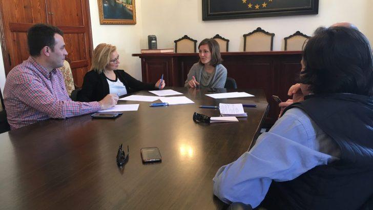 Los diputados provinciales populares visitan las localidades de Macastre y Millares