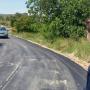 Macastre asfalta el Camino del Higueral que conecta casco urbano y zona residencial