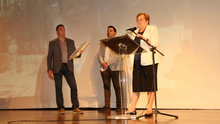 Chiva rinde un sentido homenaje a su hijo adoptivo Pascual Llopis Moscardó