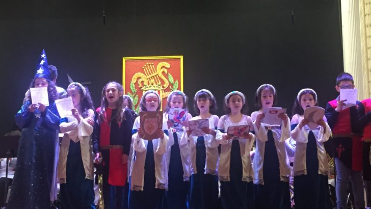 """""""La Artística"""" de Buñol finaliza sus actos de abril con un un concierto al estilo medieval"""