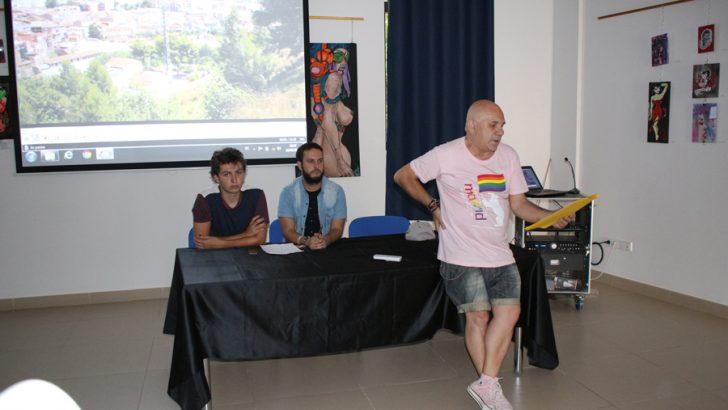 La mesa redonda LGTB en imágenes