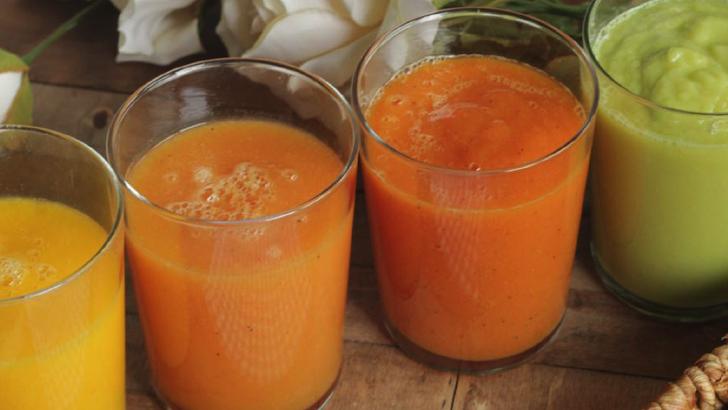 3 zumos naturales de fruta para combatir el calor