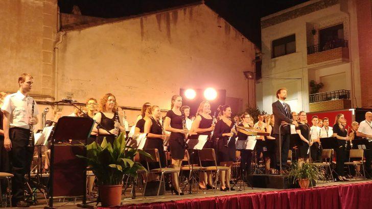 Macastre disfruta de la música de la Harmonie St. Caecilia de Blerick