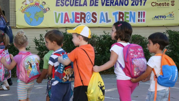 """La escuela de verano de Cheste inicia su viaje lúdico y educativo con """"¡Viajer@s al tren!"""""""