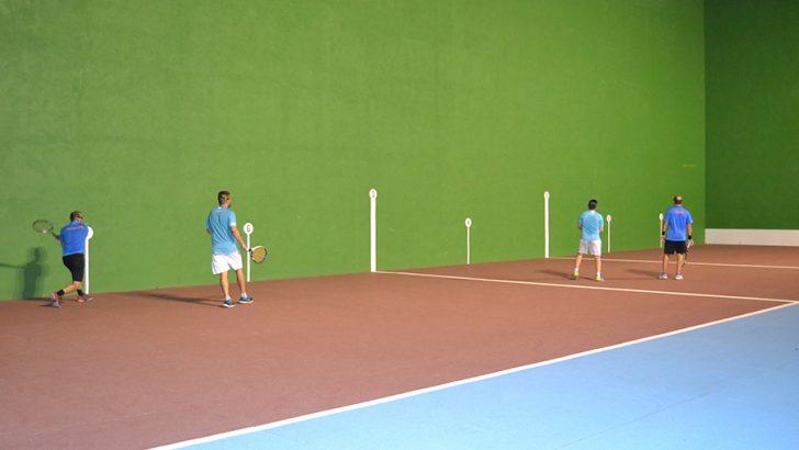 Buñol celebra una jornada dedicada a los deportes de raqueta