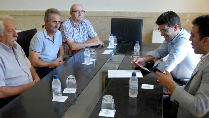 Los Hateros de Buñol visitan al Presidente de la Diputación de Valencia