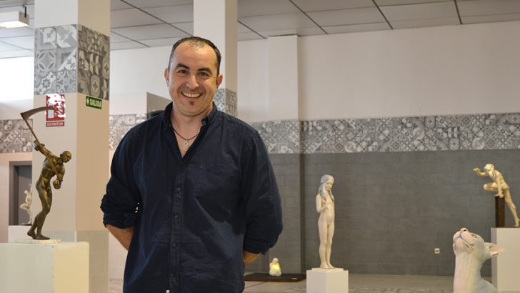 """La espectacular exposición """"Martingalas"""" de Luis Pascual, en la sala El Mercado"""