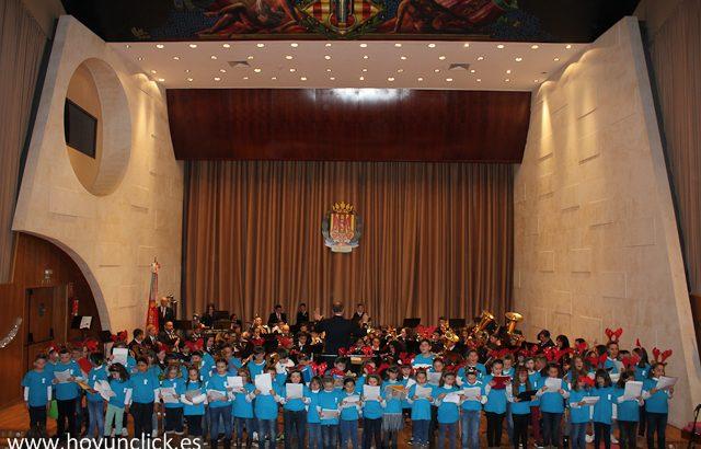 """Las imágenes del concierto de la Banda Juvenil y la Orquesta de """"La Armónica"""" de Buñol"""