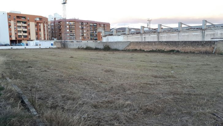 La zona del campo de fútbol de Buñol contará con zonas de aparcamiento