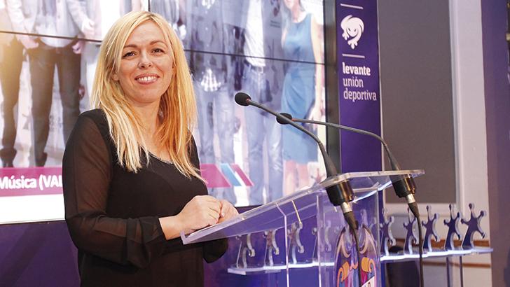 Mujer, fútbol y  periodismo deportivo