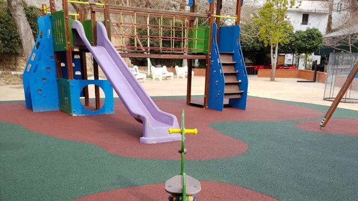 Alborache coloca nuevos juegos en los parques de la localidad