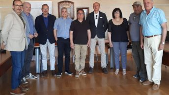 Yátova firma un convenio con la Federación Hípica de la Comunidad Valenciana