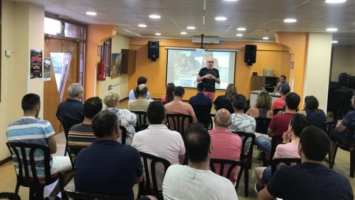 Los profesores de las escuelas de música de la comarca se reúnen en el Conservatorio de Buñol