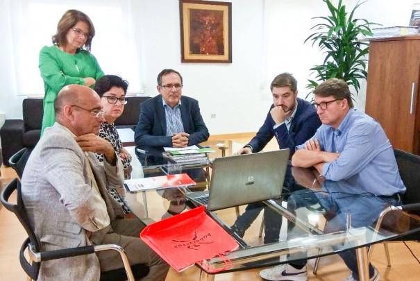 Buñol se reúne con representantes de AMICA y con el Alcalde de Torrelavega
