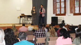Macastre reitera su apoyo a los estudiantes de música a través de las Becas Roberto Sáez Cambres